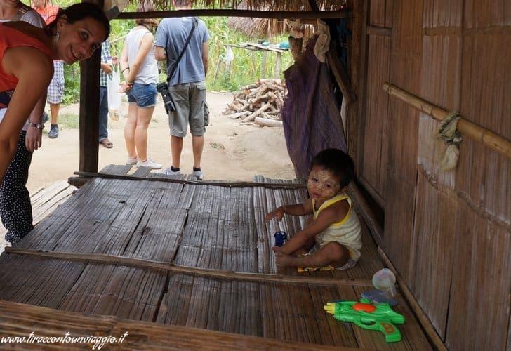 thailandia_karen_chiang_rai_bambino