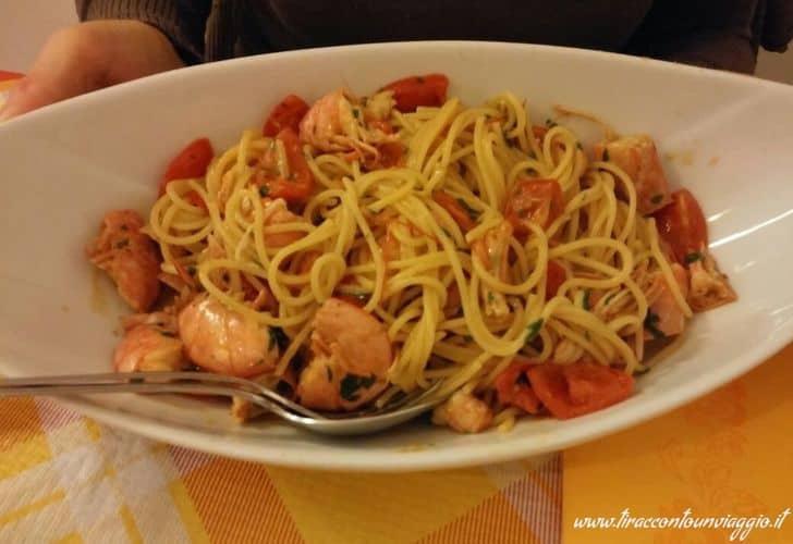 spaghetti_pomodorini_gamberi_bottarga