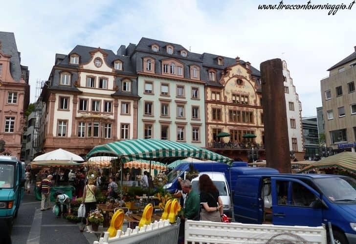 Marktplatz_mercato_settimanale_magonza_mainz