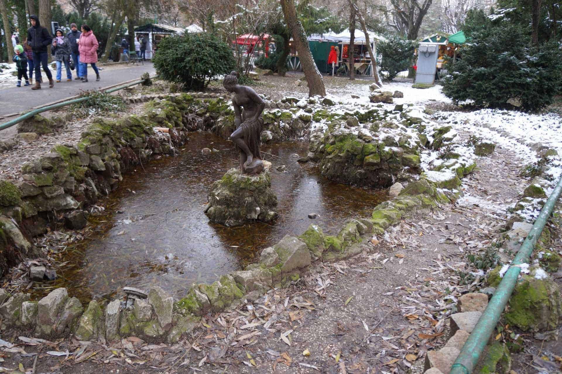 giardini_cismigiu_bucarest_statue