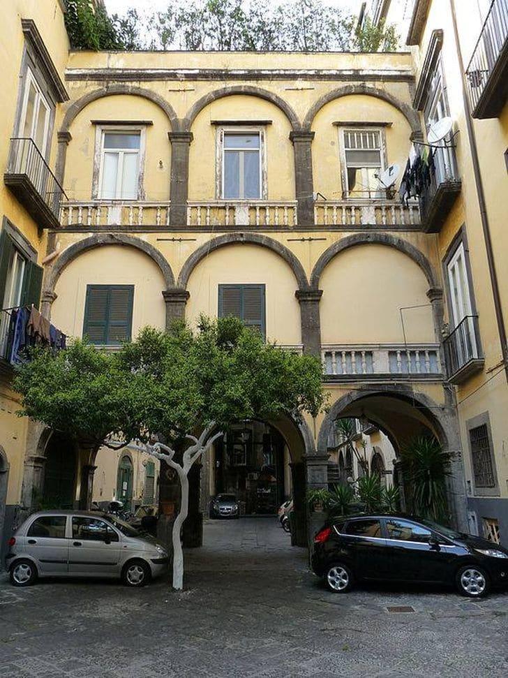 palazzo_duchi_casamassima_napoli