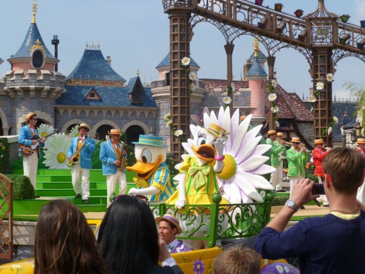 parata_personaggi_disney_disneyland_paris