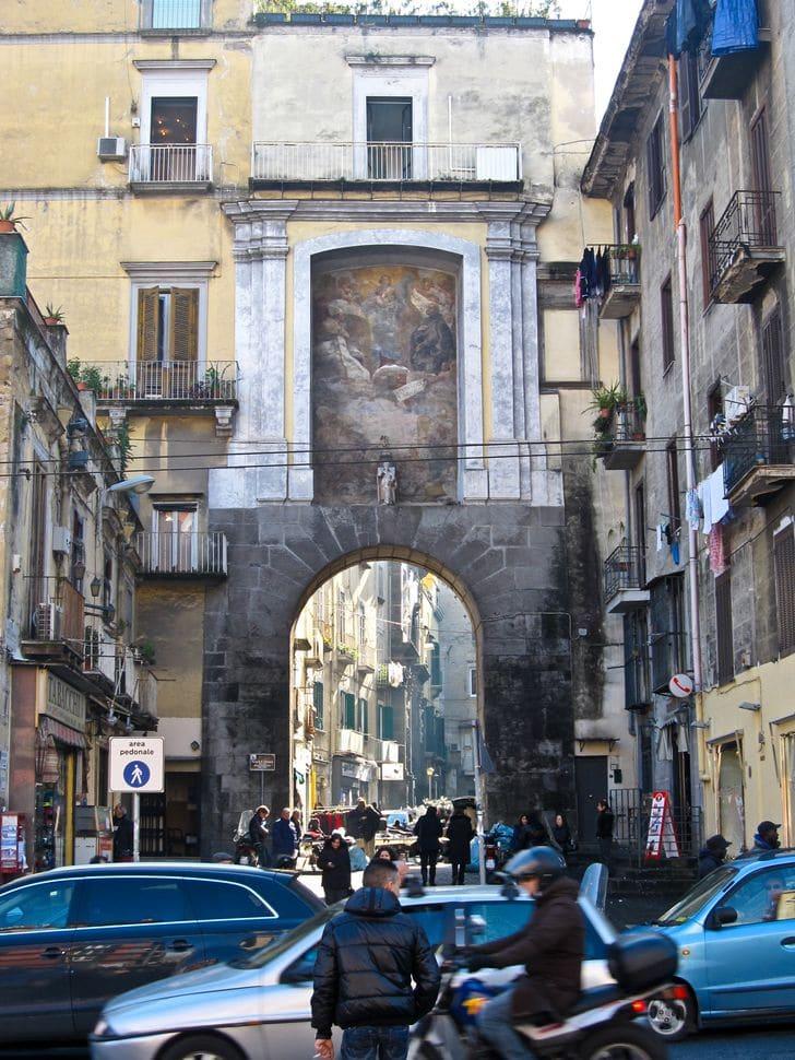 porta_san_gennaro_napoli