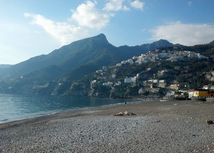 vietri_spiaggia_costiera_amalfitana