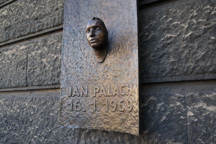 Jan Palach_namesti_monumento