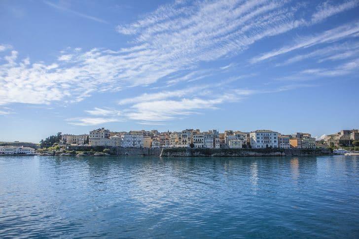 porto_corfu_grecia