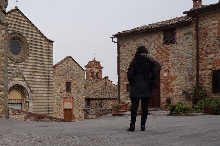 lucignano_arezzo_toscana_piazza_san_francesco