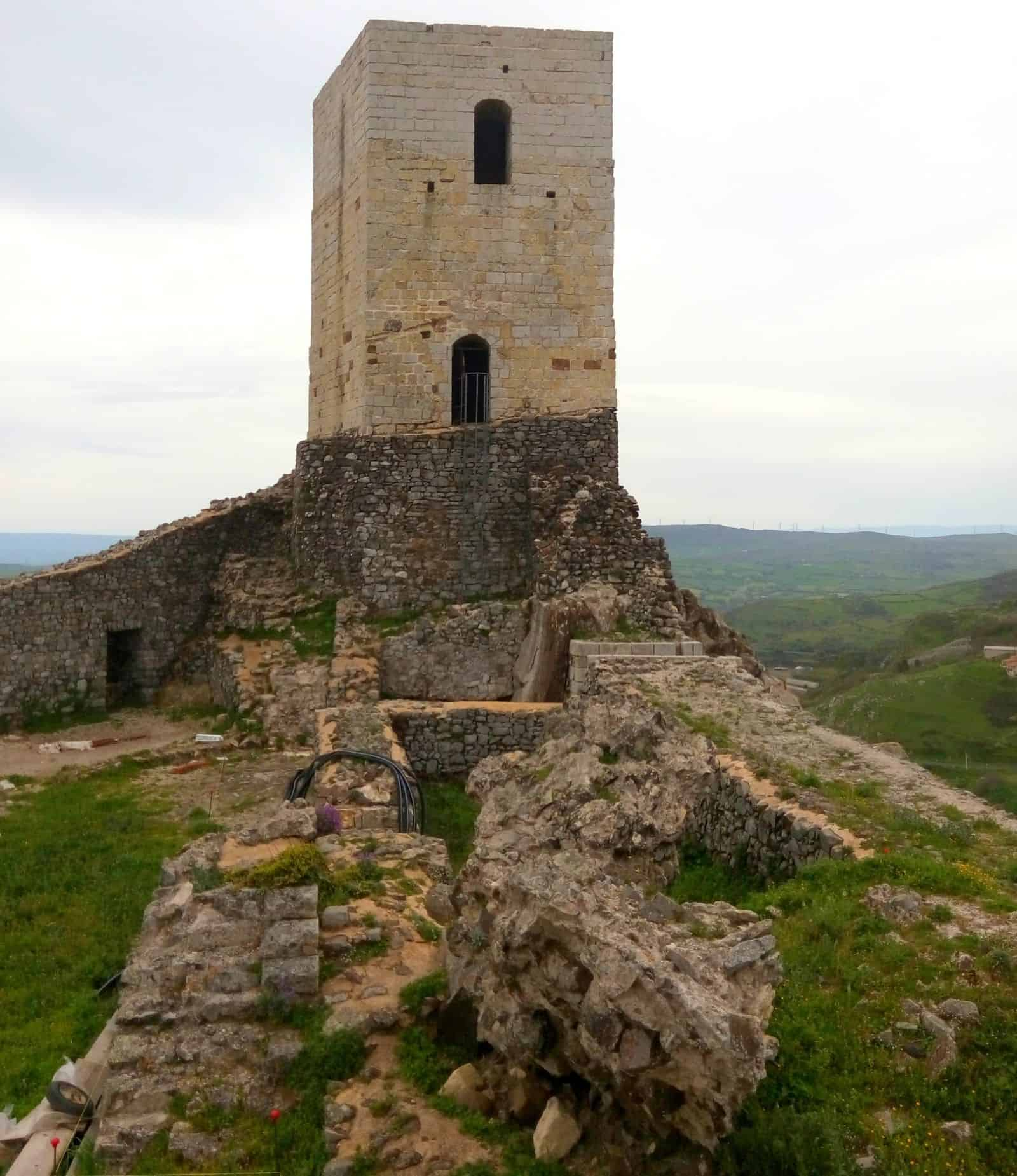 rovine_castello_medievale_osilo_malaspina