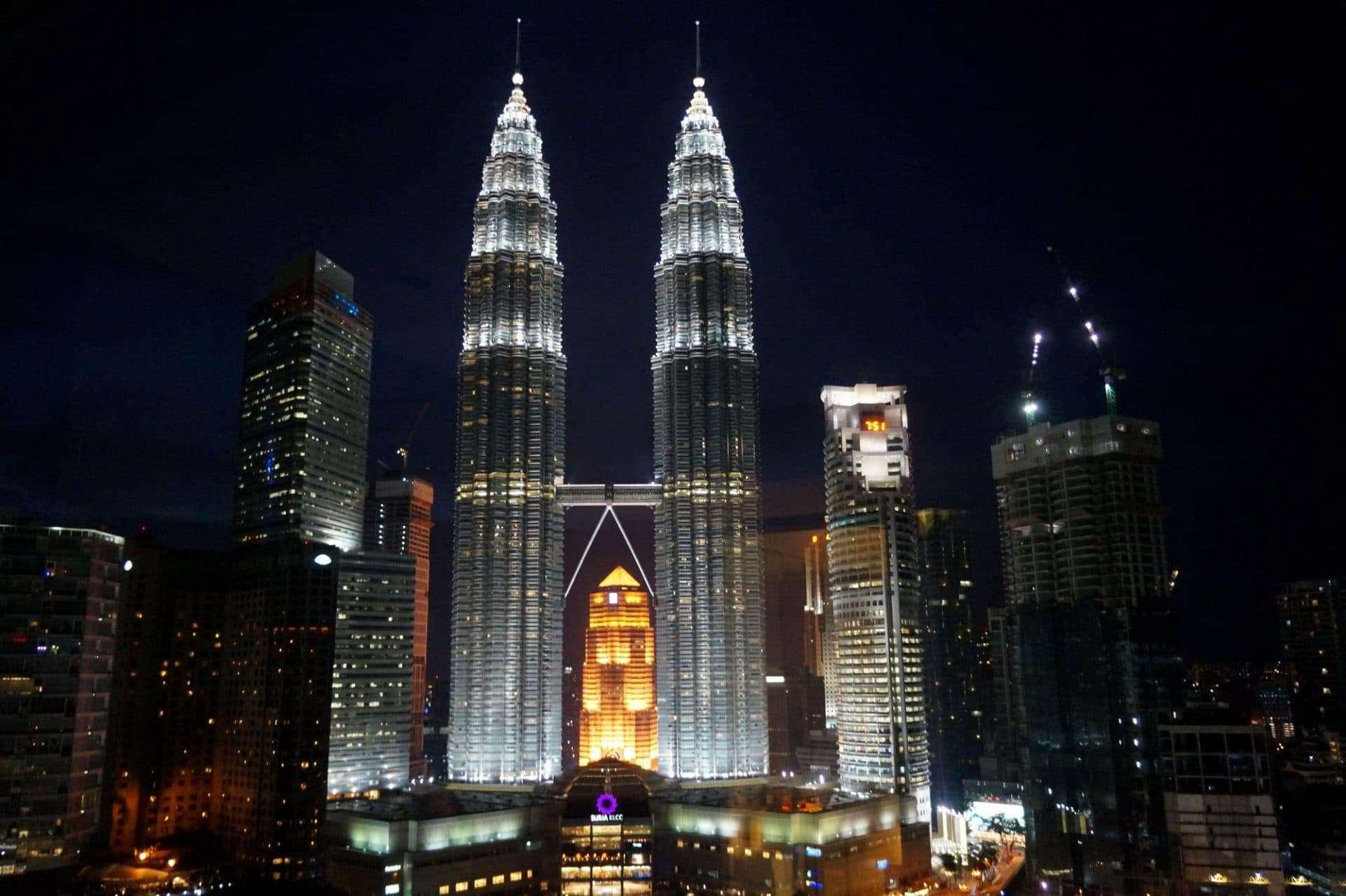 petronas_towers_traders_hotel_kuala_lumpur