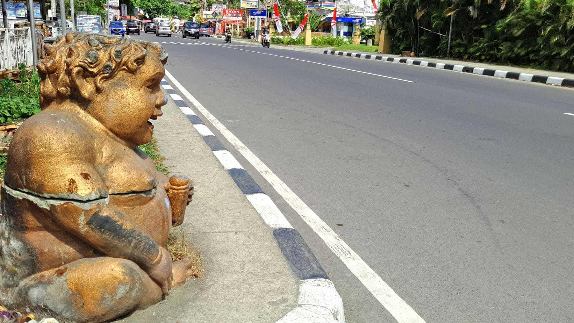 senggigi_lombok_Jalan_Raya