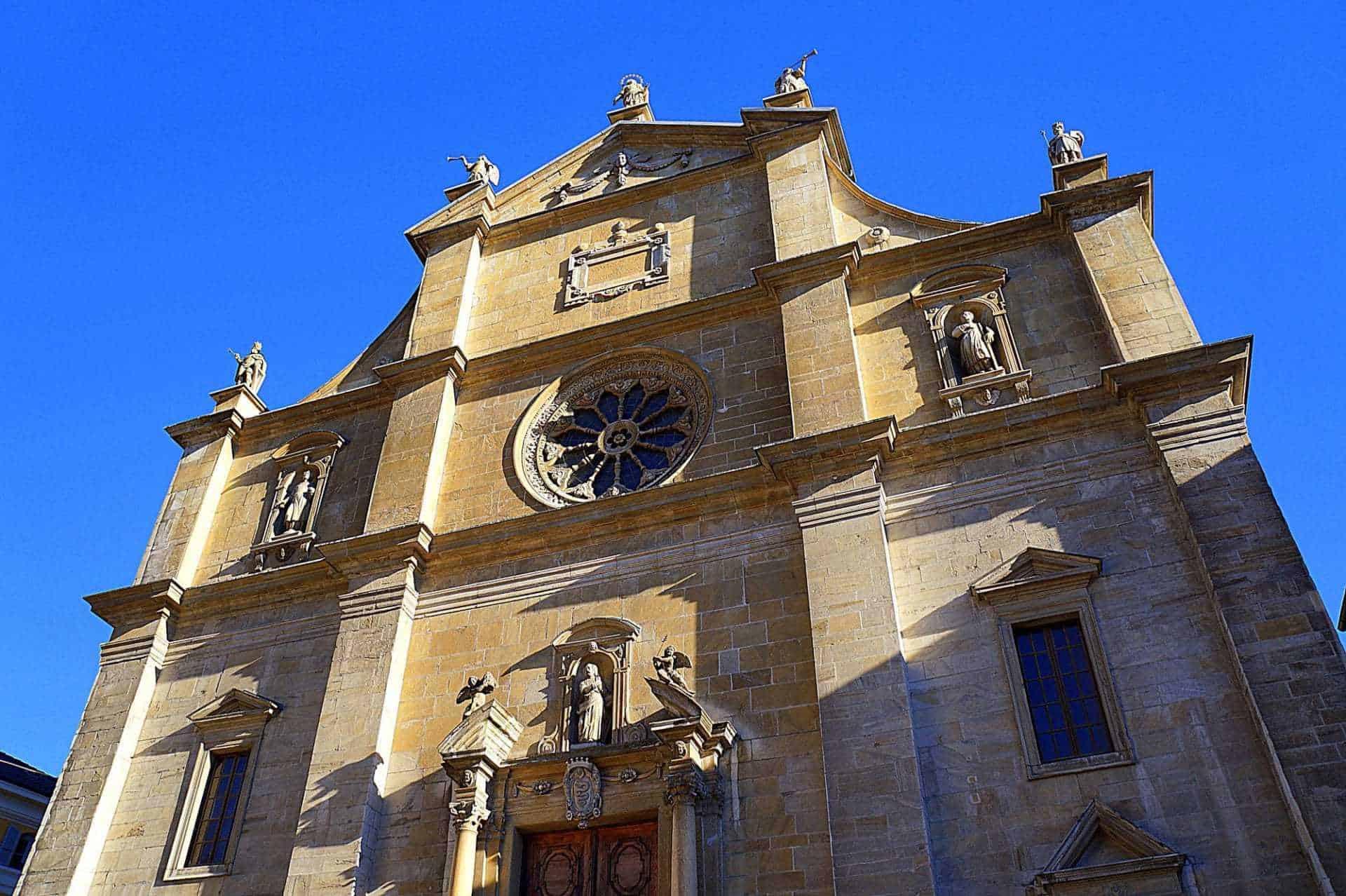 chiesa_collegiata_bellinzona_svizzera_ticino